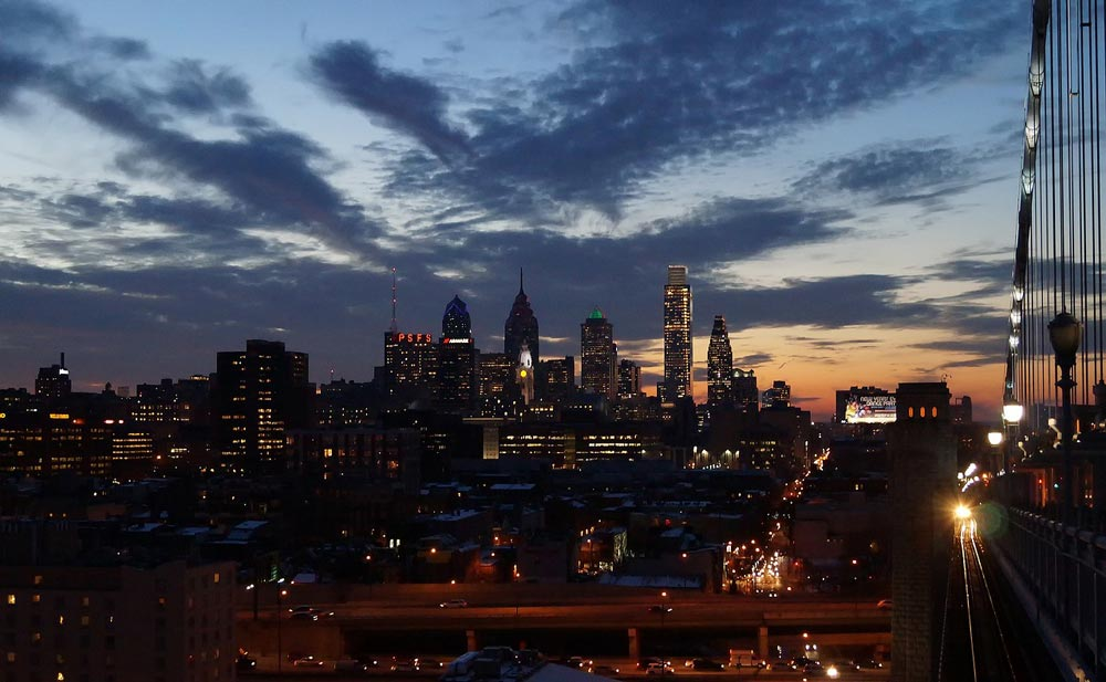 A view of the Philadelphia nighttime skyline